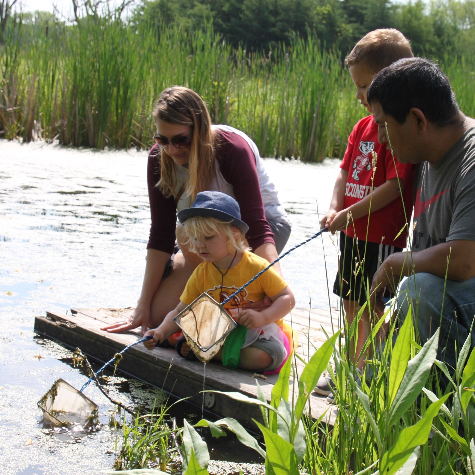 KIDS POND DIPPING