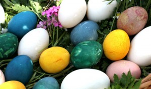 naturaly-dyed-easter-eggs